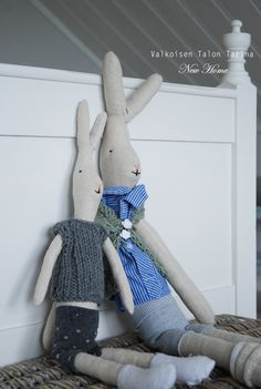 DIY little bunnies Maileg Bunny, Little Boys, Bunnies, Room, Kids, Grandchildren, Fabric Dolls, Toys, Fabrics
