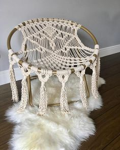Newest Snap Shots Macrame hammock Concepts If you've already discovered our own new macramé collection and you're hooked on it with this e Macrame Hanging Chair, Macrame Chairs, Macrame Art, Macrame Knots, Eno Hammock, Hammock Chair, Swinging Chair, Hammocks, Crochet Hammock