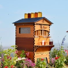 Flow Hive is a revolutionary beehive invention, harvest fresh honey without opening your beehive and minimal disturbance to the bees. Beekeeping Course, Hive Stand, Harvesting Honey, Beekeeping For Beginners, Overwintering, Western Red Cedar, Spring Is Here, Bee Keeping, Flow