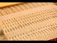 How to weave Leno on a rigid heddle loom - YouTube