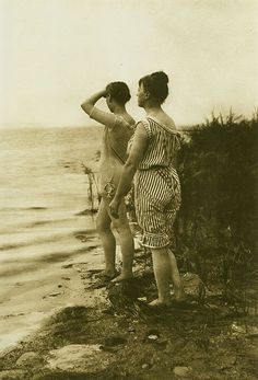 An interesting photograph of German women at a North Sea beach wearing very risq., Beach Outfits, An interesting photograph of German women at a North Sea beach wearing very risque bathing suits for the early Most bathing costumes of the tim. Vintage Beach Photos, Photo Vintage, Vintage Pictures, Vintage Photographs, Beach Pictures, Old Pictures, Old Photos, Vintage Bathing Suits, Vintage Swim