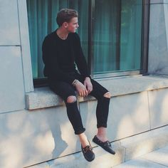 Topman Black Skinny Cut Out Jeans, Timberland Navy Boat Shoes, Asos Knit Sweater