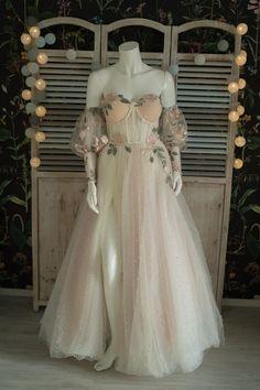 Ball Dresses, Ball Gowns, Prom Dresses, Formal Dresses, Wedding Dresses, Fairy Wedding Dress, Pretty Outfits, Pretty Dresses, Beautiful Dresses