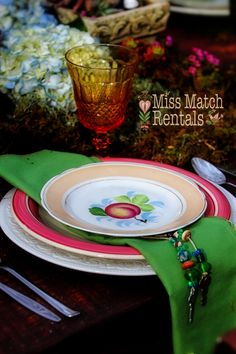 vintage dinnerware, Alice in wonderland, farm table