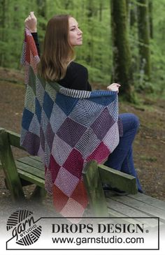 Autumn Nights Knitted Blanket By DROPS Design - Free Knitting Pattern - (garnstudio) Knitting Stitches, Knitting Patterns Free, Knit Patterns, Free Knitting, Free Crochet, Knit Crochet, Free Pattern, Drops Design, Knitted Afghans