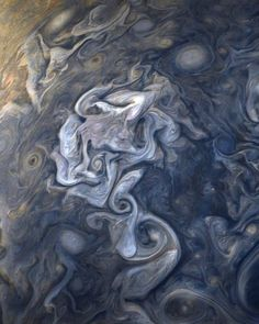 10 REAL images of our beautiful stormy gas giant 🌀 Named after the Roman king of the gods, Jupiter is fitting of its name. With a mass of 1.90 x 10^27 kg and a mean diameter of 139,822 km, Jupiter is easily the largest and most massive planet in the Solar System. To put this in perspective, it would take 11 Earths lined up next to each other%2