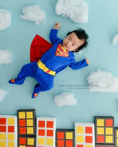 Superman Baby Photos for 3 Month Old Bebe Superman, Superman Cakes, Superman Baby, Baby Superhero, Cake Smash Pictures, Monthly Photos, Birthday Cake Smash, Baby Portraits, Family First