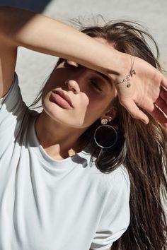VIVI&LULU predajne s nezávislou dizajnovou dámskou módou. Mode Plus, Beautiful People, Short Sleeves, T Shirts For Women, Sweatshirts, Beauty, Jewelry, Essentials, Portraits