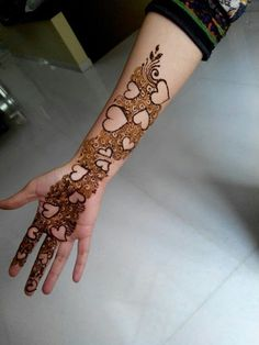 65 Easy Henna Mehndi Designs for Starters Latest Arabic Mehndi Designs, Mehndi Designs 2018, Stylish Mehndi Designs, Mehndi Design Photos, Beautiful Henna Designs, Mehndi Images, Beautiful Mehndi, Mehndi Designs For Beginners, Mehndi Designs For Fingers