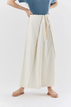 wrap bottom pant, Off-white – Kick Pleat Japanese Fashion Designers, Issey Miyake, Wide Leg Pants, One Size Fits All, Off White, Midi Skirt, Legs, Skirts, Cotton