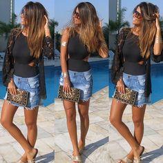 Summervibesss ! Regram da linda @chrisbittar curtindo o dia com a clutch CANAL!! #assessorios #clutch #pedraria #amamos #janaslojas #estilocanal