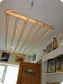 Drying rack with a pulley