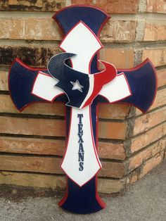 Texan Going too make this for me. Houston Texans Football, Houston Astros, Denver Broncos, Bulls On Parade, Texans Logo, Texans Cheerleaders, Football Crafts, Wooden Crosses, Cross Crafts