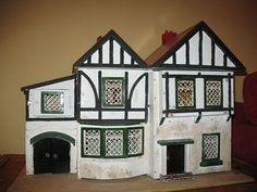 AMERSHAM DOLL HOUSE: