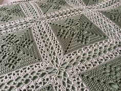 Victorian Lattice Square med ihopvirkning: https://cypresstextiles.net/2016/01/09/celtic-lace-join/