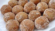 Tek Lokmalık Minik Tarçınlı Kurabiye Tarifi – Kurabiye Tarifleri Tek lokmalık minik tarçınlı kurabiye tarifi için nefispratikyemektarifleri.com adresindeki videolu yemek tarifleri ve kurabiye tarifleri anlatımlarına bakabilirsiniz. Kolay yemek tarifleri ile beğenilerinize sunduğumuz sitemizi sosyal medyadan dostlarınızla da paylaşıp bize destek olabilirsiniz. Malzemeler 2 paket vanilya 1 paket (250 gr) tereyağı Yarım çay bardağı sıvıyağ 2 …