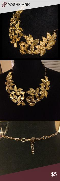 Golden leaf necklace Metal golden leaf necklace. Jewelry Necklaces