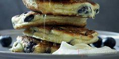 Черничные блинчики с йогуртом, рикоттой и медом,  рецепт Гордона Рамзи