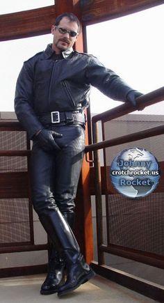 Mens Leather Pants, Leather Blazer, Leather Gloves, Black Leather, Mens Biker Style, Hot Cops, Straight Guys, Men's Collection, Black Men