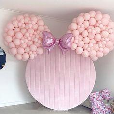 First Birthday Decorations Girl, First Birthday Balloons, Wedding Balloon Decorations, Minnie Mouse 1st Birthday, Disney Birthday, Baby Girl Birthday, Wedding Balloons, Balloons Galore, Baby Shower Balloons