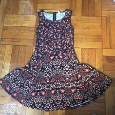 Cute Paisley Dress! Super cute paisley dress from Target! Bright turquoise accents and a rich orange red make this perfect for the upcoming fall season. Only worn once. Zippered back! Xhilaration Dresses Midi