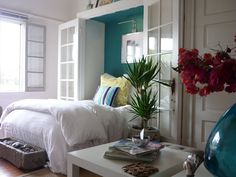 9 Beds For Small Spaces, Small Space Living, Small Bedrooms, Bungalows, Cabana, Ocean Inspired Bedroom, Ocean Bedroom, Home Bedroom, Bedroom Decor