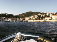 Out-of-Home-Base ;-) #seaside #bluewater #sunnysideoflife #boattrip #hvar #croatia #deepbreath Hvar Croatia, Seaside, Opera House, Base, Building, Instagram Posts, Photography, Travel, Photograph