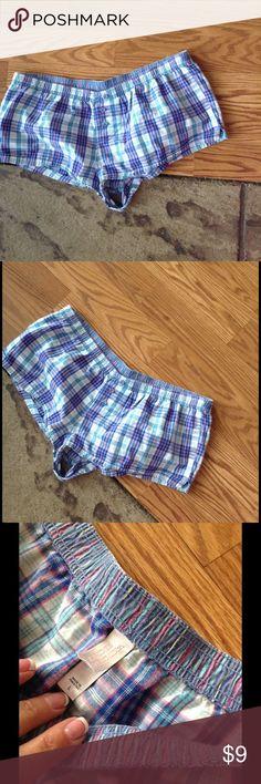 Victoria Secret shorts Size L ❤️Lovely striped VS Victoria Secret shorts. In great condition. Victoria's Secret Shorts
