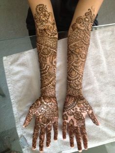 As a finalist in our annual mehndi contest, this super talented artist brings us amazing designs! Henna Designs Easy, Bridal Mehndi Designs, Bridal Henna, Mehanthi Design, Beautiful Mehndi Design, Simple Henna, Henna Artist, Mehendi, Gallery