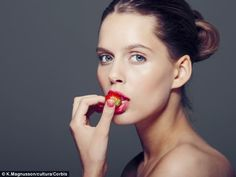 Top nutritionist and skin specialist Karen Fischer has designed a 28-day diet to a youthful appearance.