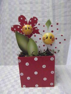 Cachepo flores de bolinha em mdf | Artesanatos Ingrid Carvalho | 170013 - Elo7