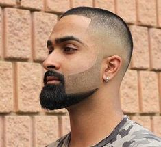 45 Crew Cut Haircut Ideas – Clean & Practical Style High and Tight Haircut with Beard Design – Crew Cut Haircut - Colorful Toupee Hairs Fade Haircut With Beard, Skin Fade With Beard, Beard Haircut, Beard Fade, Beard Cuts, Beard Styles For Men, Hair And Beard Styles, Crew Cut Haircut, Haircut Style