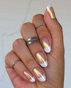 9 erstaunliche moderne französische Maniküre-Ideen Stunning chrome french tip nails and the chrome powder applied on the whole nails – Glitzernde Nägel How To Do Nails, My Nails, Shiny Nails, Crome Nails, Negative Space Nails, Powder Nails, Nail Tips, Manicure Ideas, Nail Polish Colors