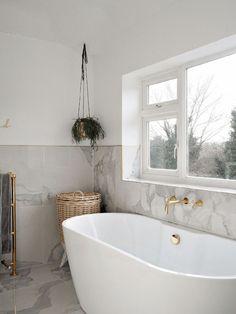 Superb arma 3 exile window shutters for your cozy home Bathroom Goals, Bathroom Colors, Bathroom Sets, Gold Bathroom, Bathroom Windows, Bathroom Wallpaper, Small Bathroom Window, Bath Window, Bathroom Wall Panels