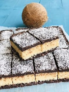 Romanian Desserts, Romanian Food, Tiramisu, Sweet Treats, Food And Drink, Sweets, Cookies, Mozaic, Ethnic Recipes