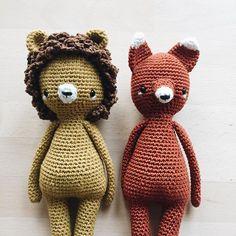 Der Löwe ist fertig und geht schon wieder auf die Reise. 🦁 Viel Spaß kleiner Mann 🙂 [I wish you a wonderful day] ~ #amigurumi #amigurumis #crochet #häkeln #crochetlion #craftastherapy #crochetlove #crochetfox #makersgonnamake #hekling #amigurumitoy #crocheting #crocheted #croché #hekling #virka #crochetersofinstagram #instacrochet #crochetpattern #amigurumilove #yarn #crochetaddict #ilovecrochet #doll #crochetdoll #crochetdolls #kidsroomdecor #handmadetoy #makersgonnamake #kidsstuff