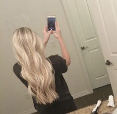 Best Platinum Blonde Hair Color Ideas - Hair Tips Platinum Blonde Hair Color, Blonde Hair Looks, Bright Blonde Hair, Blonde Long Hair, Butter Blonde Hair, Blonde Asian Hair, Beachy Blonde Hair, Perfect Blonde Hair, Platinum Blonde Highlights