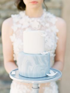 Sophisticated blue, grey, and gold wedding inspiration | Wedding Sparrow fine art wedding blog