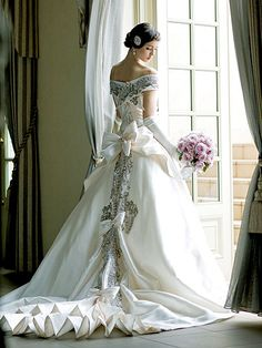 I don't know if I'd actually want to get married in this, but regardless, it is beautiful.
