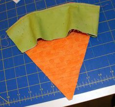 Spun Sugar Quilts: Fabric Carrot Tutorial craft craft diy craft for kids craft no sew craft to sale Spring Projects, Easter Projects, Spring Crafts, Holiday Crafts, Diy Osterschmuck, Easter Fabric, Diy Ostern, Easy Easter Crafts, Easter 2021
