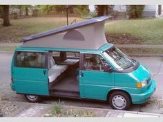 I love that this one has such a pretty color! 1993 Volkswagen Eurovan