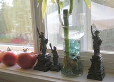 Statue of Liberty Collection - Kitchen Shelf