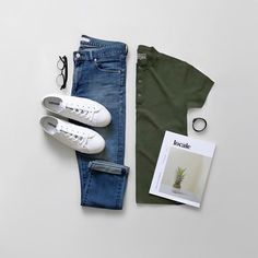 Simple and just works #JGGrids .  Bracelet: @kafouryco  Mag: @localemag.ph  Sneakers: @converse  Specs: @metrosunnies  Tee: @giordanoph  Jeans: @uniqlophofficial . . . . . #menwithclass #menwithstreetstyle #menwithstyle #mensstyle #mensfashion #menswear #menstyle #mensoutfit #outfit #outfitoftheday #ootdmen #ootd #outfitinspiration #fashion #fashionblogger #style #styleblogger #styleinspiration #wiwt #dapperstyle #streetstyle #streetfashion #dapper #minimal #flatlay #outfitgrid #gq…