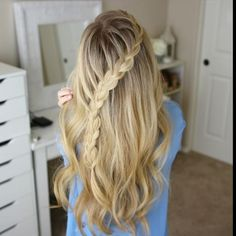 """Diagonal French Braid  from """"3 Fall Half Up Hairstyles""""  Click the link in my bio to watch the original tutorial along with 2 other hairstyles! #missysueblog"""