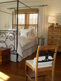 Italianate tester bed from Mexico