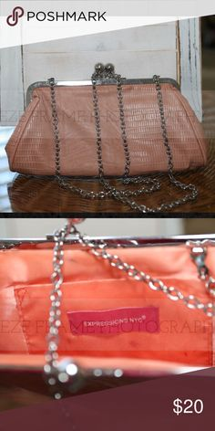 Vintage expressions NYC clutch Peach clutch with chain link strap. Great with jeans or cocktail. So versatile and fun! Expressions NYC Bags Clutches & Wristlets