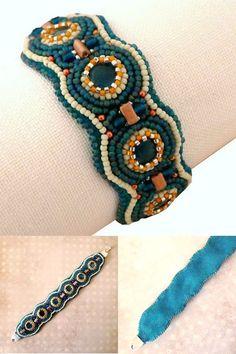Bracelet brodé de perles sur cuir