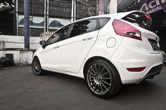 "Supertursimo LM 17"" on Ford Fiesta #OZRACING #RACING #SUPERTURISMO #LM #RIM #WHEEL"