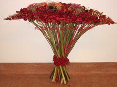 Red bouquet ~ Floristimestari Pirjo Koppi - Kukkakimput