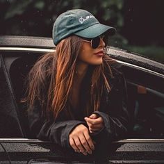 Cute cars photos are offered on our site. Take a look and you wont be sorry you did. Photo Pour Instagram, Instagram Pose, Portrait Photography Poses, Photography Poses Women, Photography Tips, Travel Photography, Teenage Girl Photography, Photography Lighting, Stunning Photography